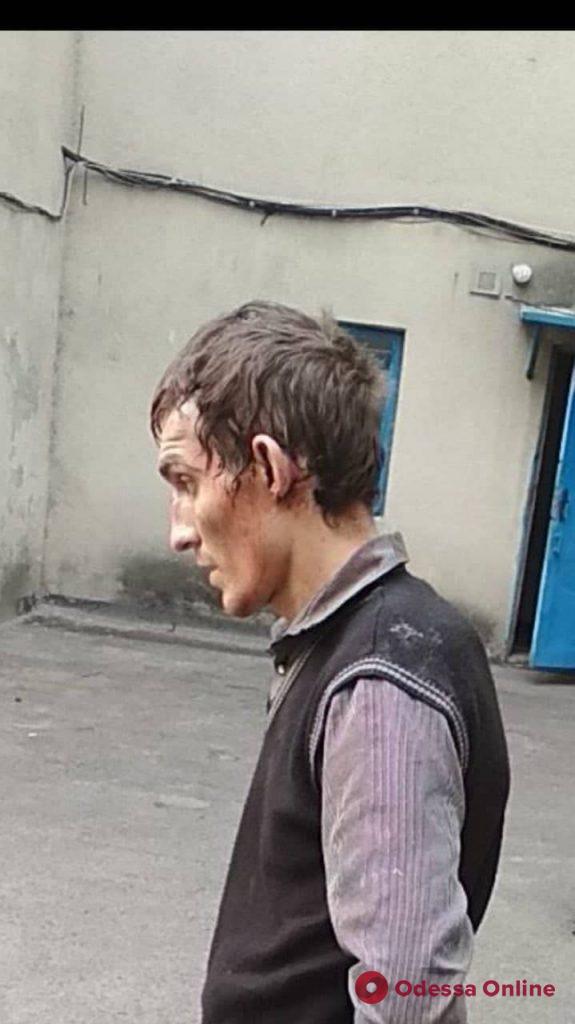 Приковал наручниками и пытал: В Одессе задержали похитителя человека