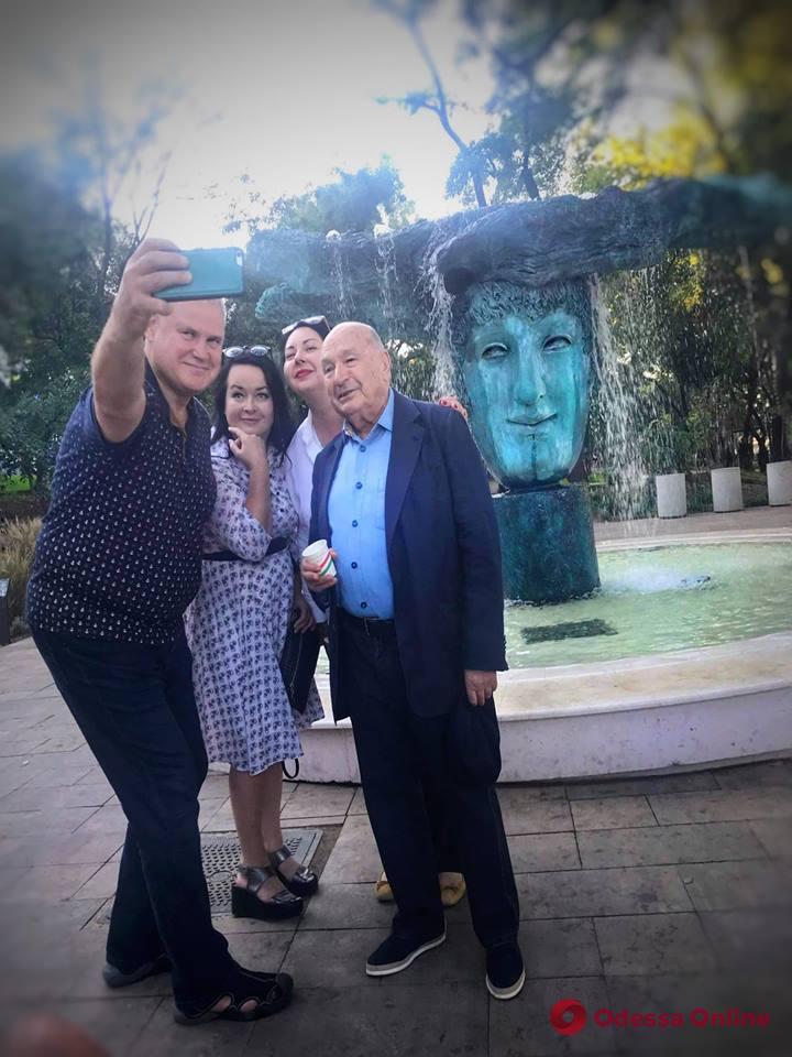Михаил Жванецкий и мэр Клайпеды удивили одесситов в Греческом парке