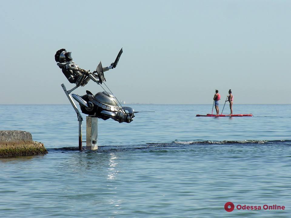 На одесском пляже появилась «Морская охотница»