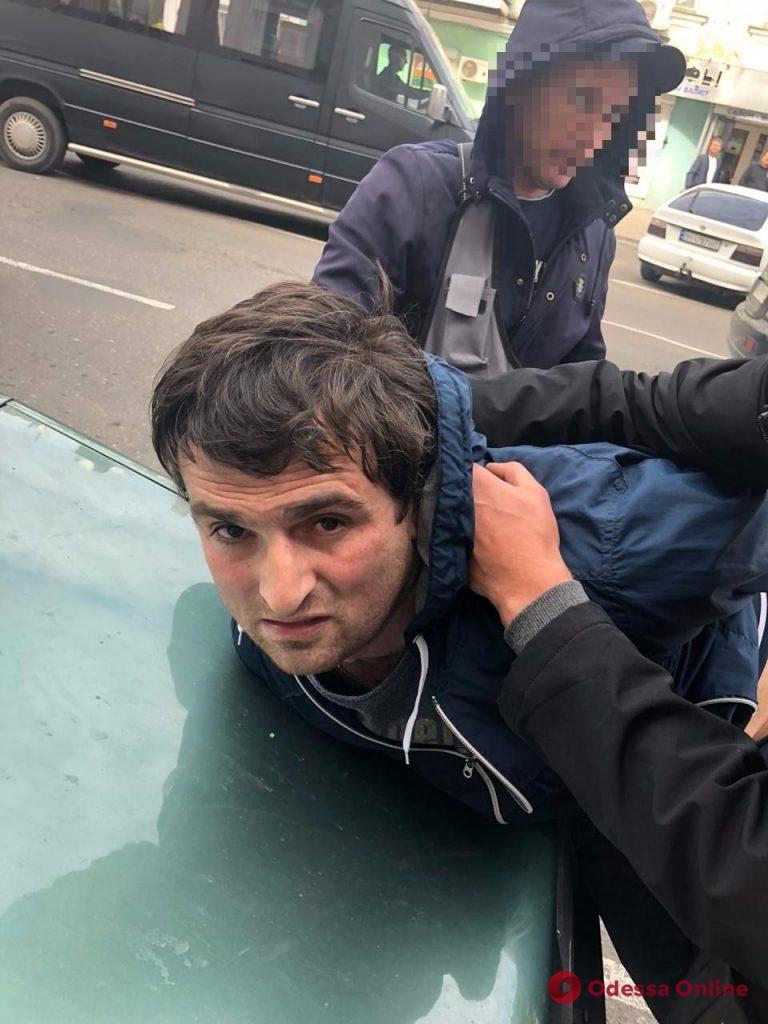 В центре Одессы задержали автомобильных воров