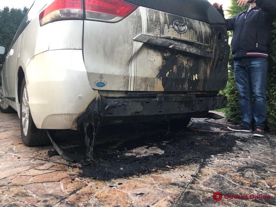Депутату Одесского облсовета подожгли автомобиль
