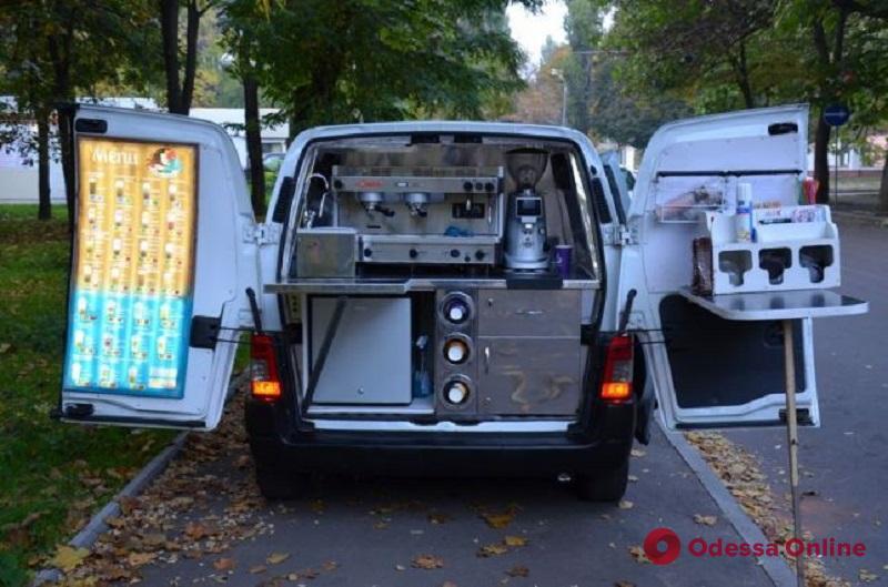 Одесская область: хозяйка кофейни на колесах эксплуатировала девочку-подростка