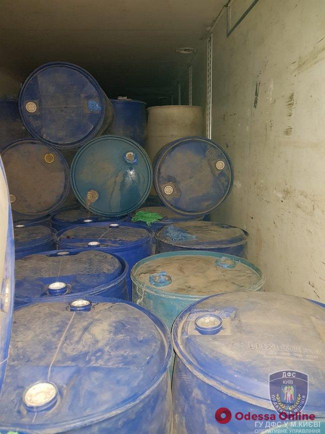 В Одесской области киевские налоговики задержали грузовик с «теневым» спиртом