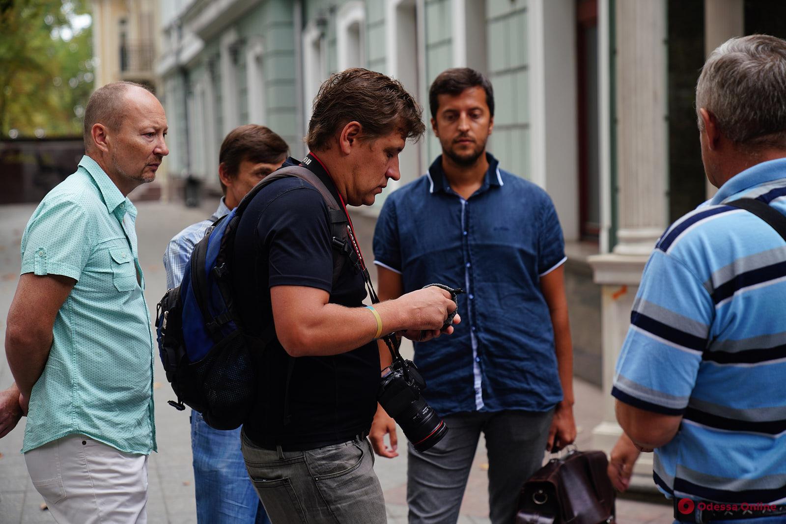 Одесские активисты требуют расследовать нападение на эколога Ивана Русева