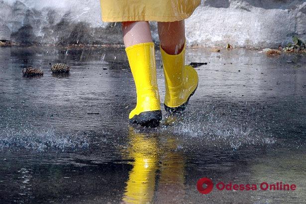 По Одессе и области объявили штормовое предупреждение