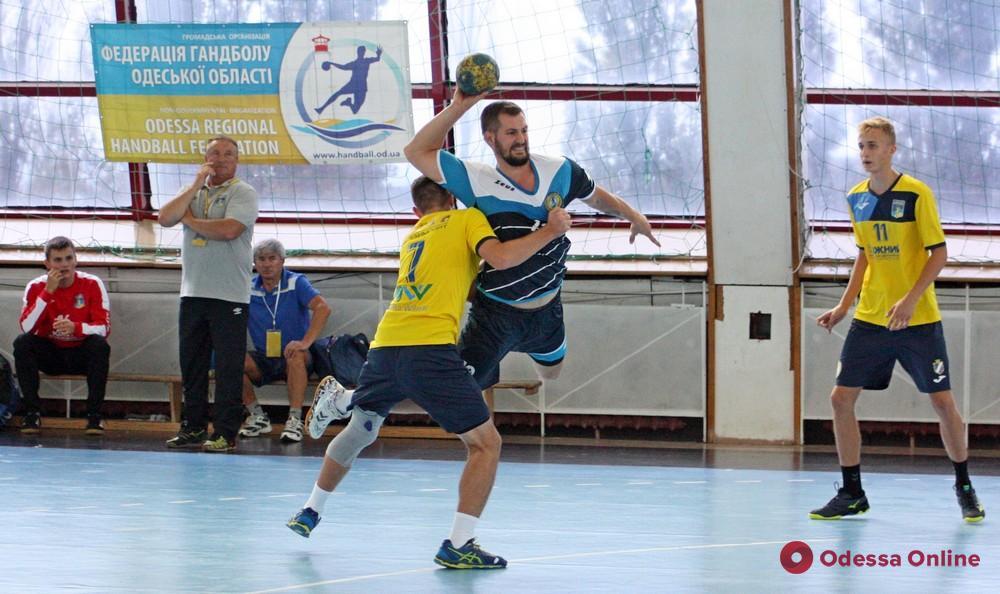 Одесские гандболисты дебютировали в украинской Суперлиге с победы в областном дерби