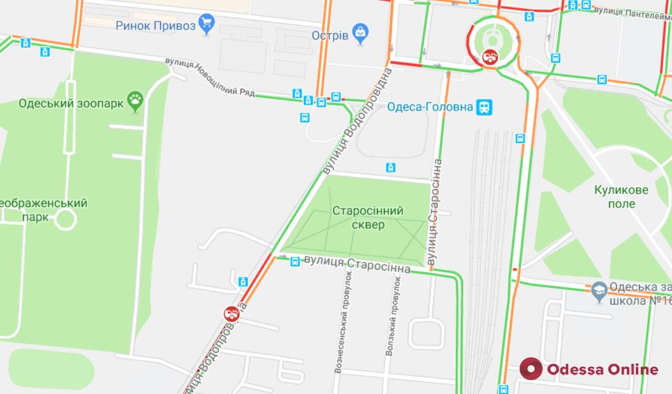 Дорожная обстановка в Одессе: пробки на поселке Котовского, ДТП и тянучки в центре