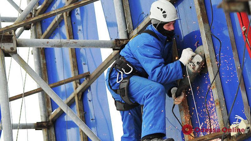 На прошлой неделе в Одессе демонтировали более сотни рекламных конструкций
