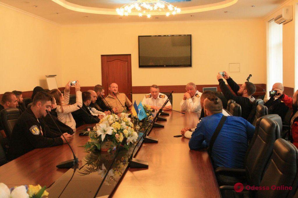 Сотрудника Одесской морской академии, который повесил в кабинете портрет Захарченко, уволили