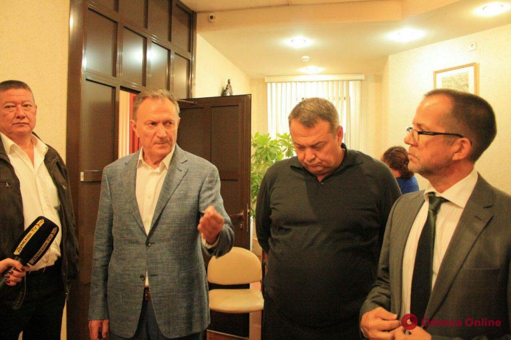 Война за Одесский медуниверситет: Запорожан сидит в кабинете ректора (обновлено)