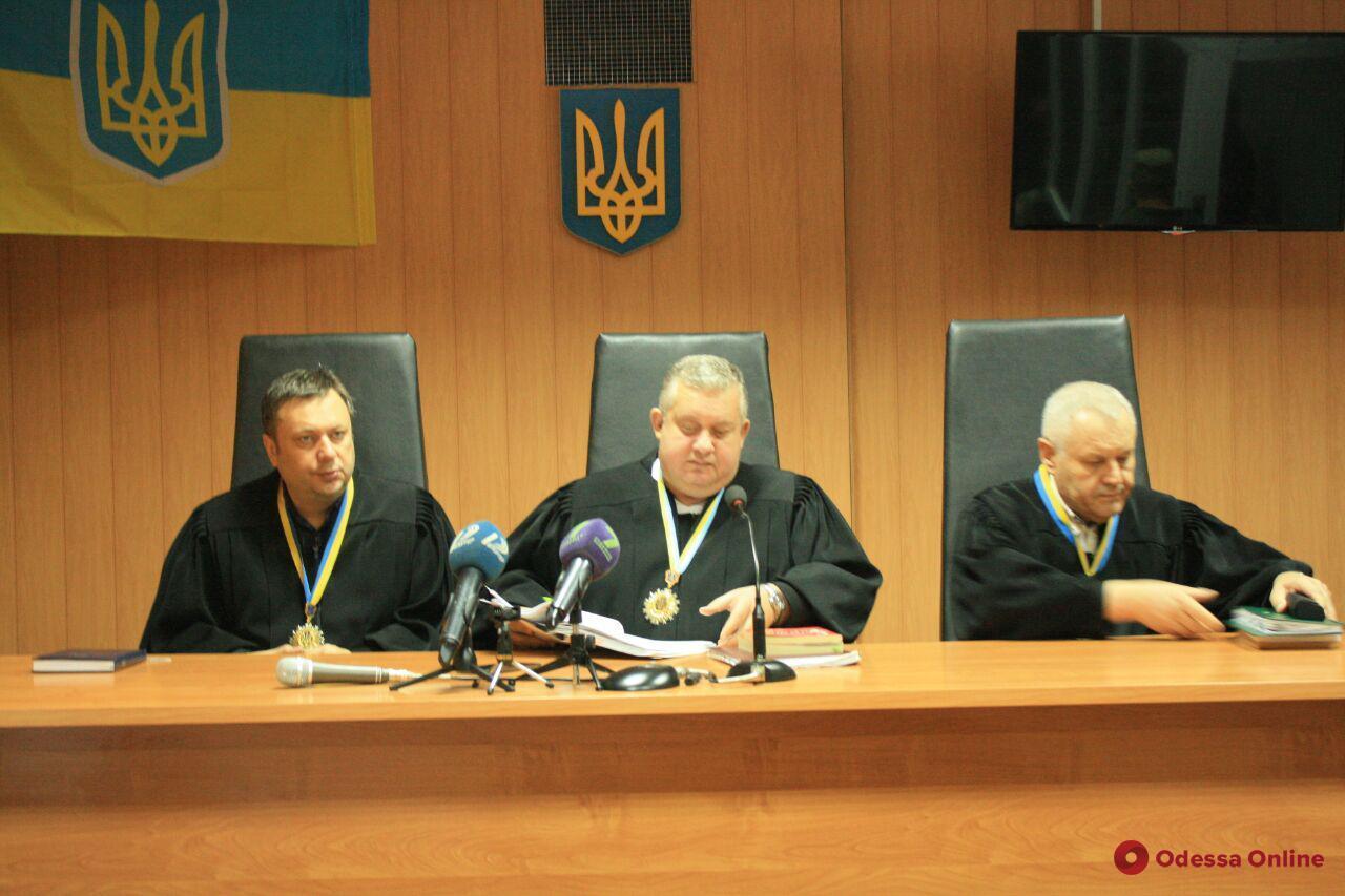 Дело одесского тайбоксера Лащенко: суд снова в поисках переводчика