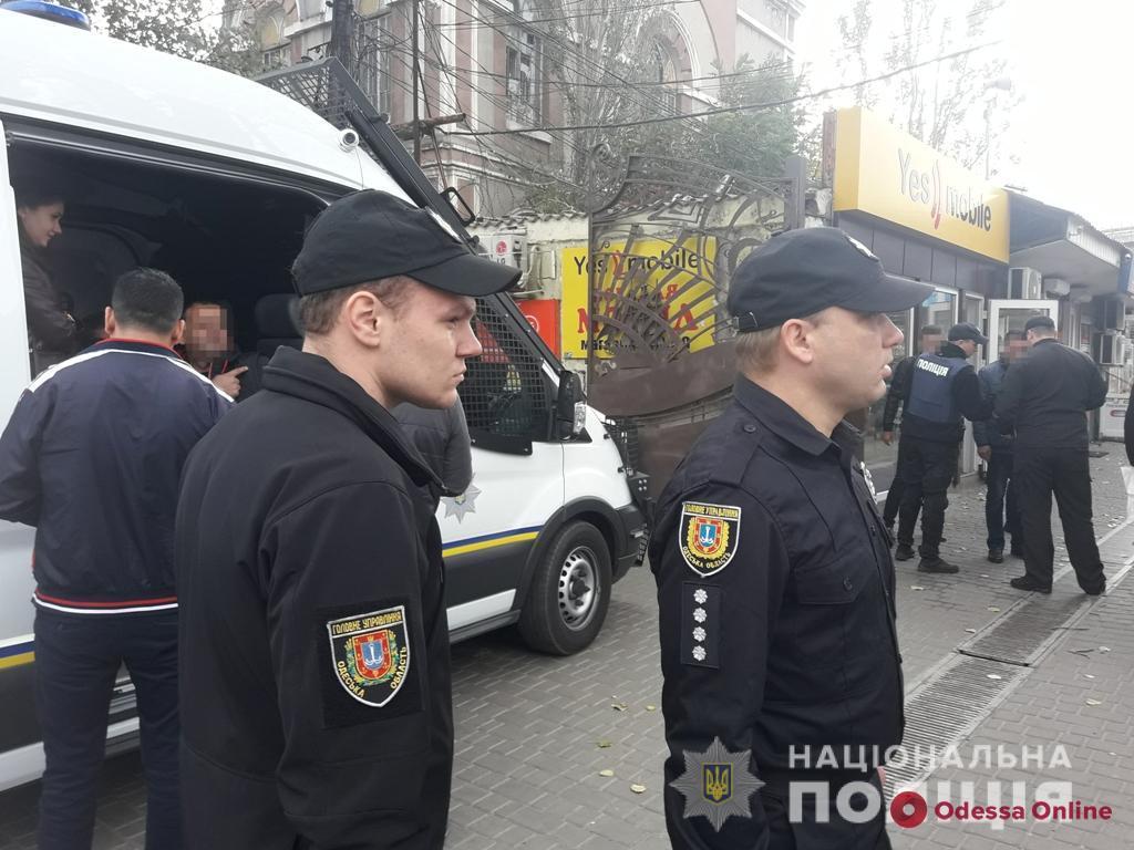 На одесских рынках ловили нелегальных мигрантов