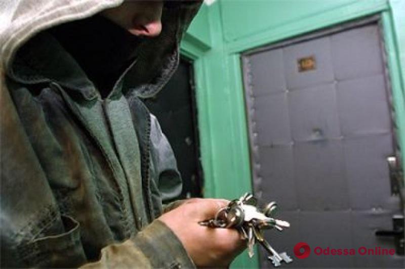 Одесса: квартирный вор-рецидивист может выйти на свободу под залог
