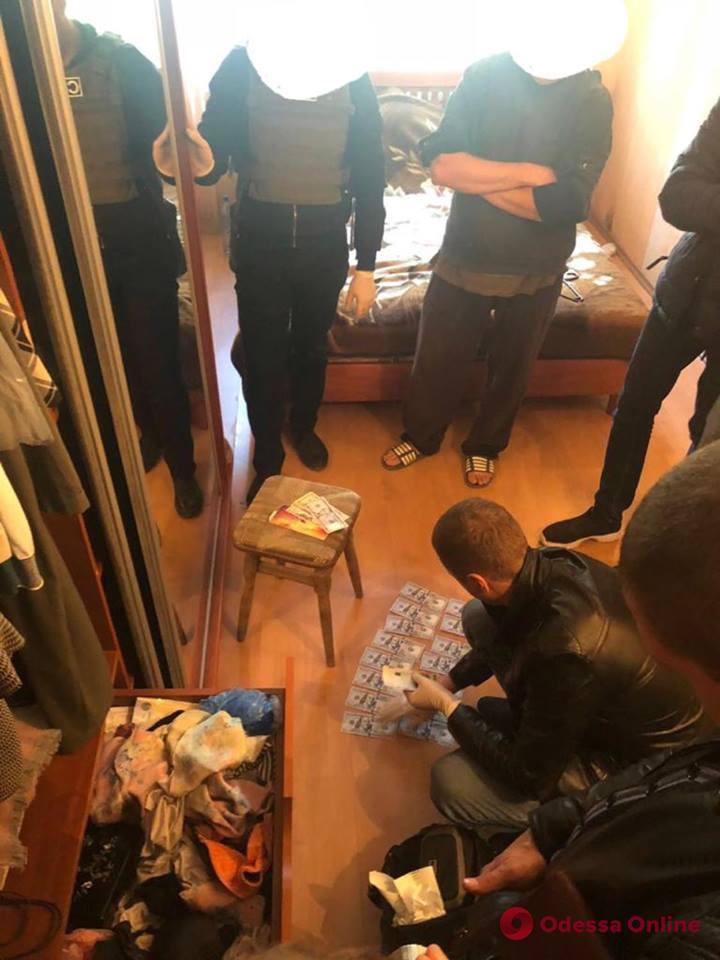 Одесский суд отправил в СИЗО военкома-взяточника
