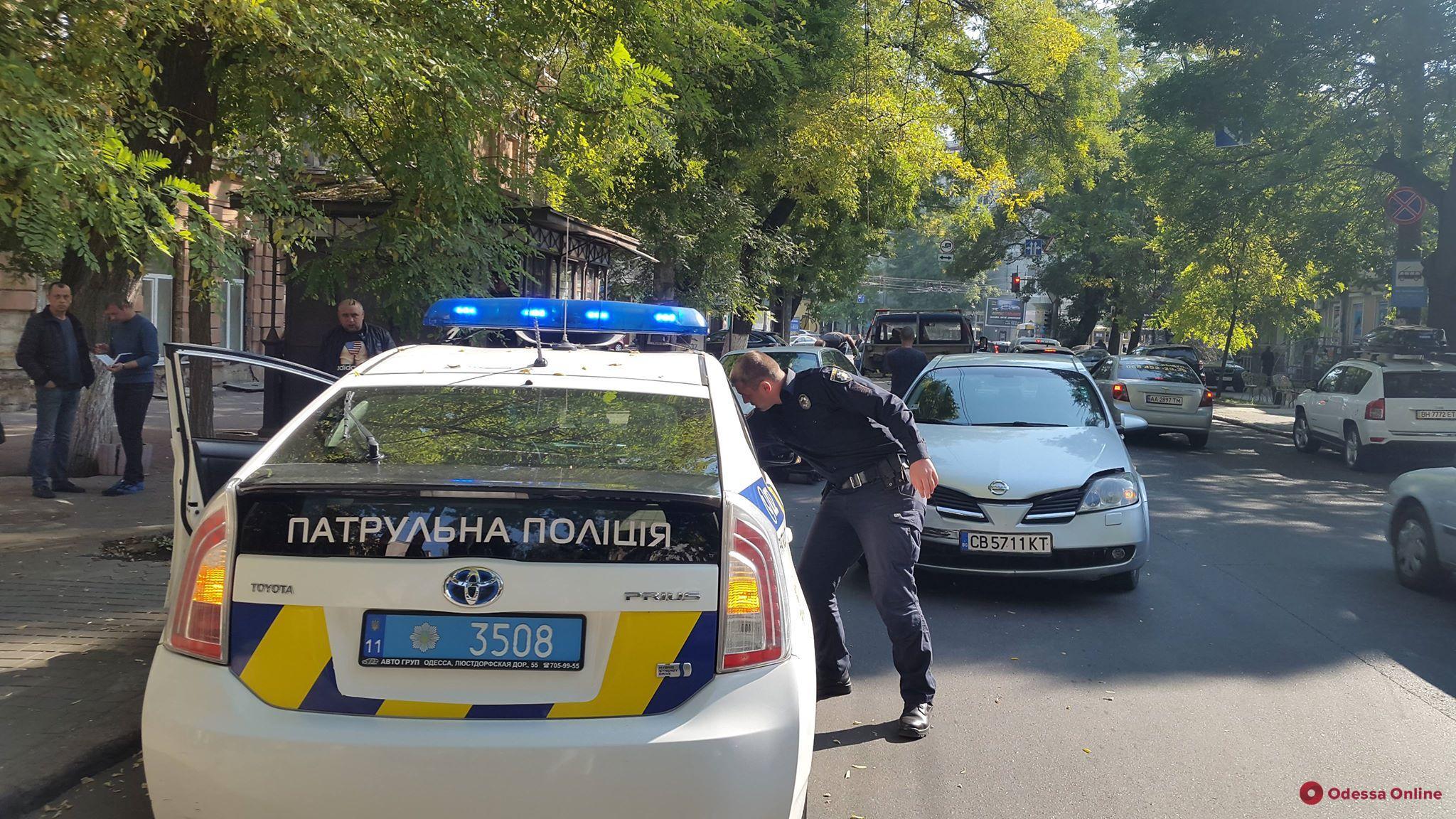 Одесса: Nissan на «еврономерах» протаранил BMW