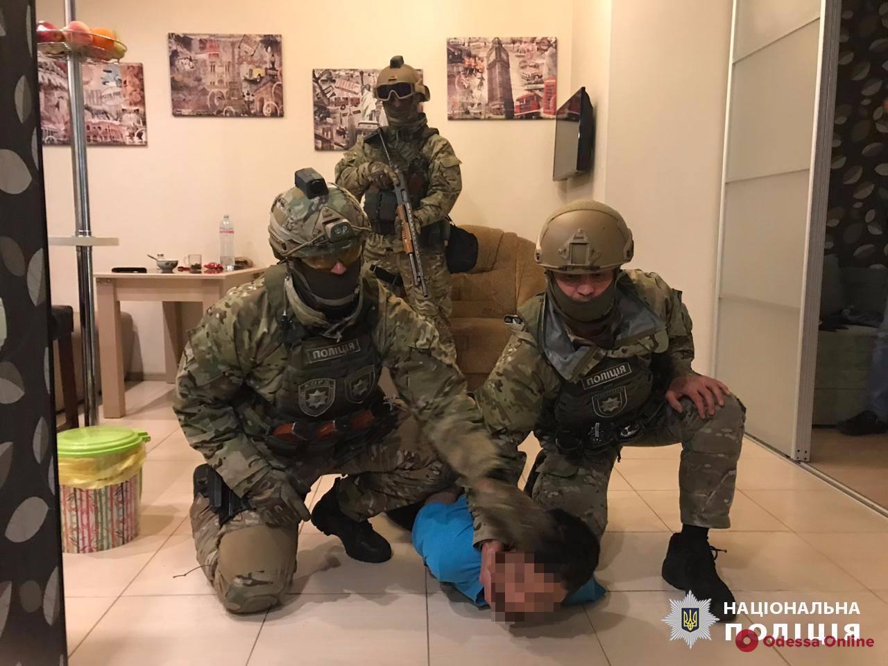 Разбой в столице: в Одессе задержали бандита из России