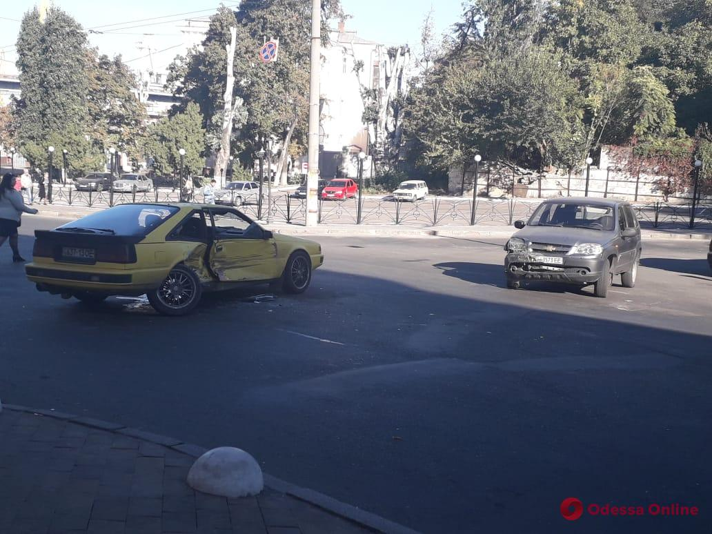В Одессе из-за аварии на Польском спуске образовалась пробка
