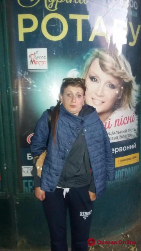 В центре Одессы рецидивист украл телефон у 11-летней девочки