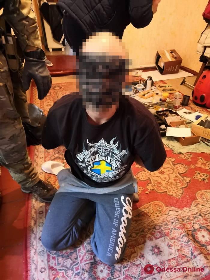 Двое жителей Одесской области торговали оружием
