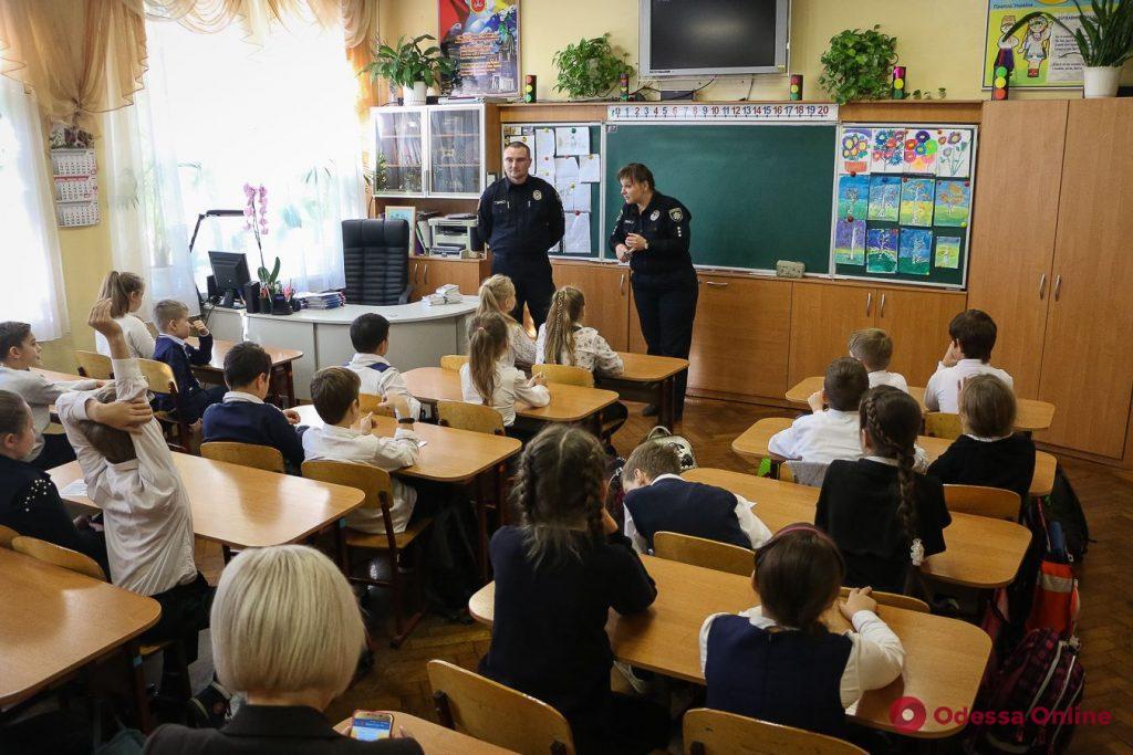 Всегда рядом и готовы помочь: кто они — школьные офицеры полиции?