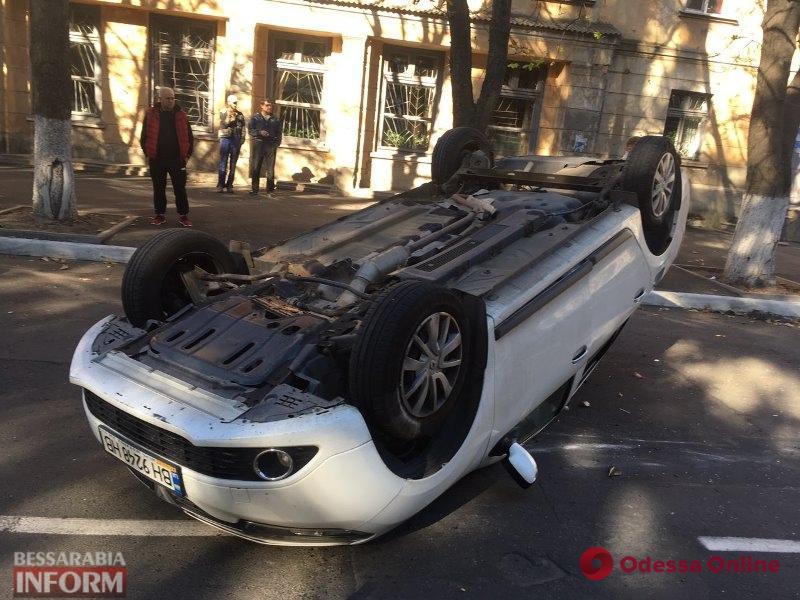 В Измаиле перевернулся автомобиль. Пострадала девочка