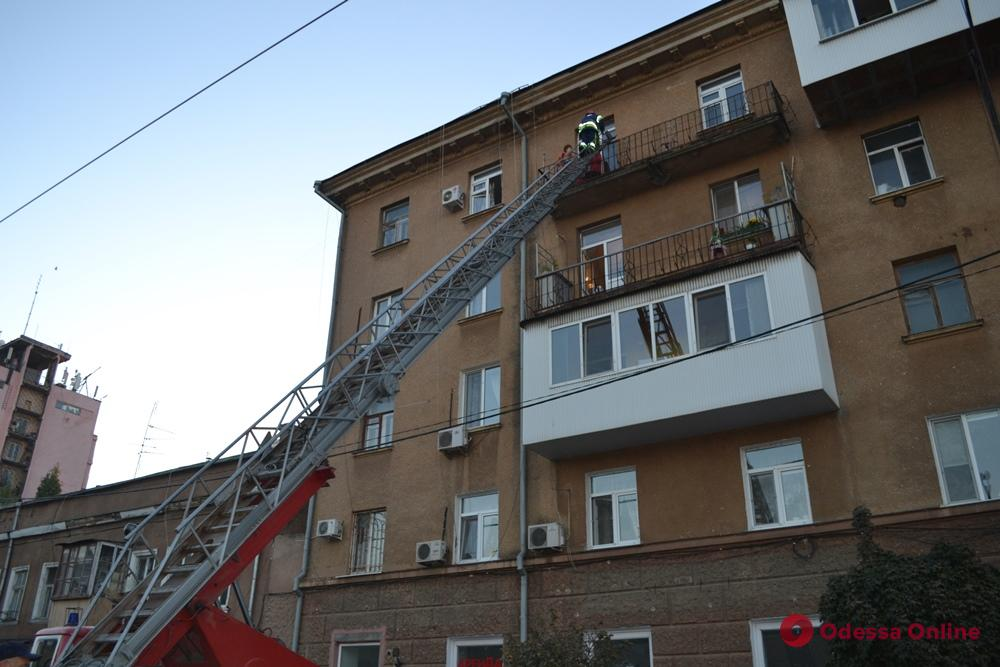 В пятиэтажке на Тираспольской горела квартира: есть пострадавшая