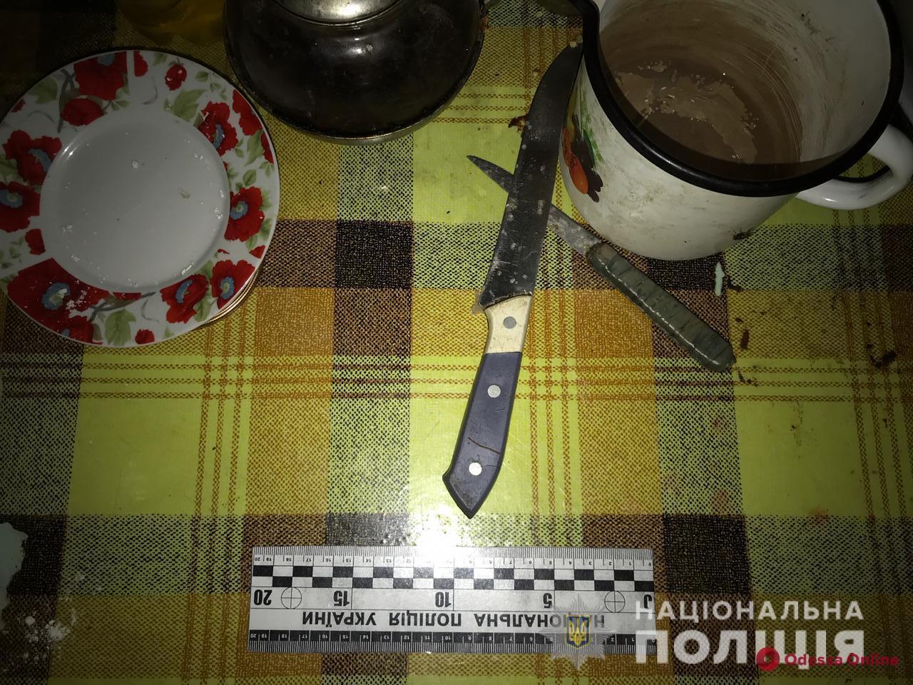 Пьяная ссора: житель Одесской области подрезал своего односельчанина