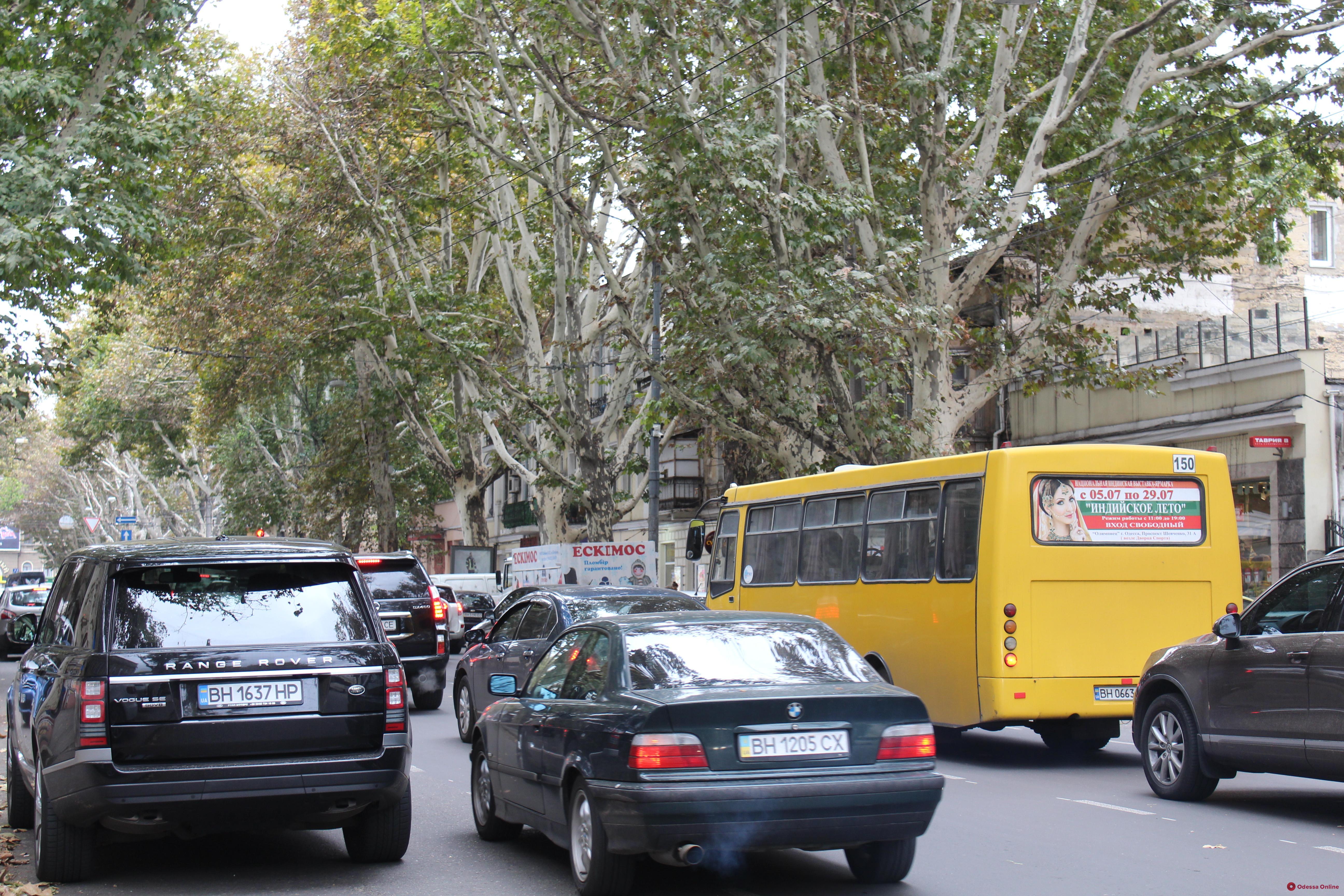 Дорожная обстановка в Одессе: пробки на Пересыпи и Таирова