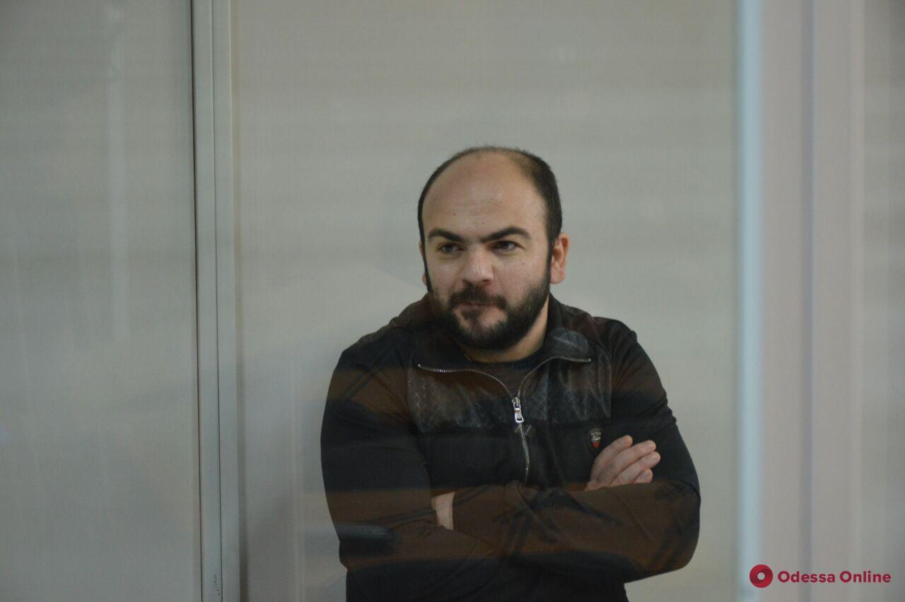 Апелляционный суд оставил в СИЗО подозреваемого в покушении на Михайлика (обновлено)