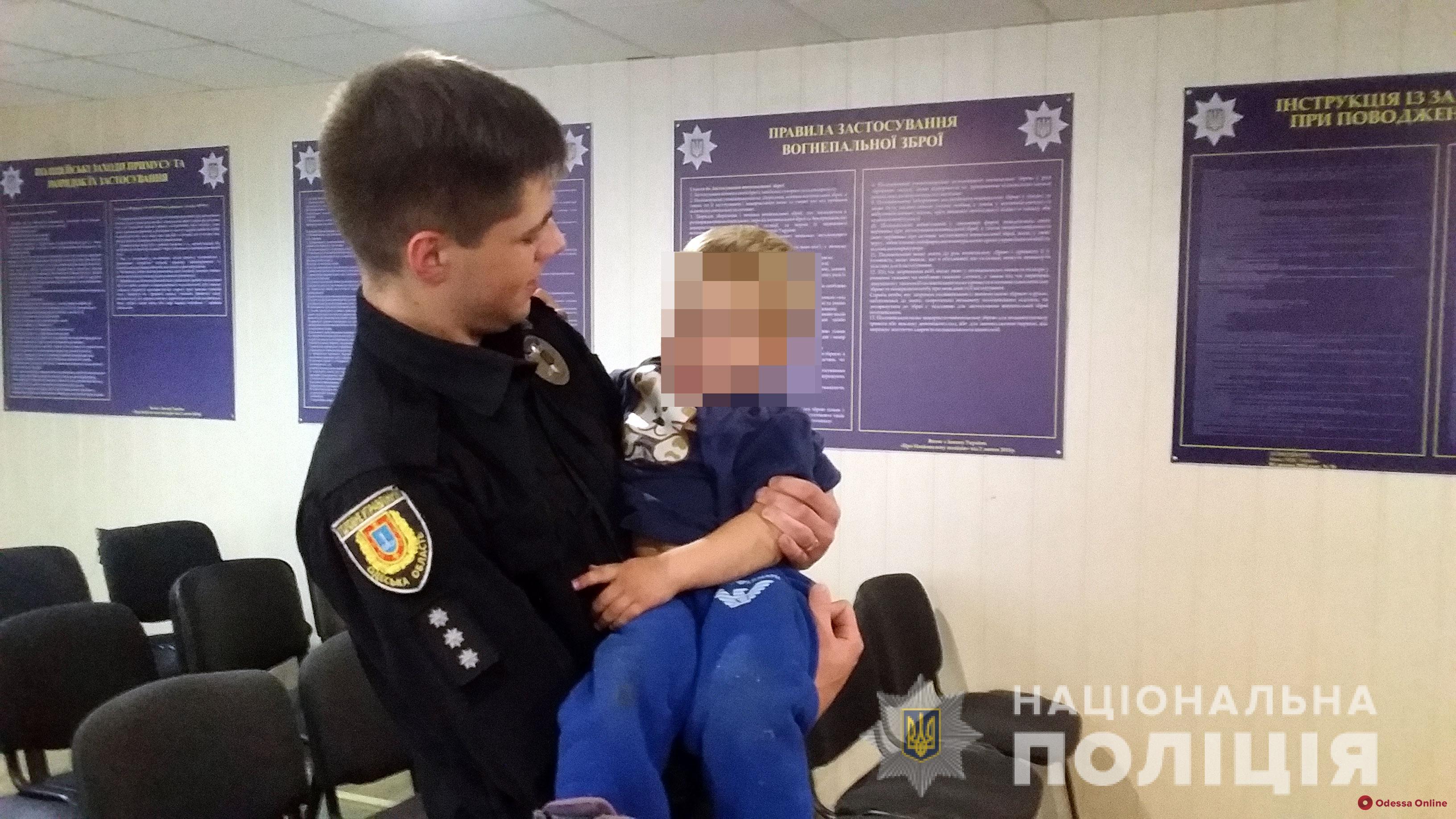 В Одессе горе-мать сбежала от полицейских на пляж