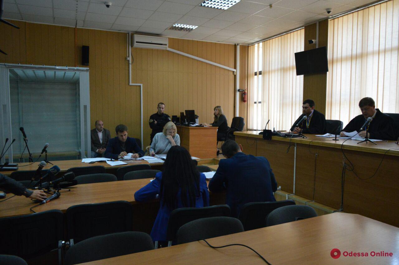 Покушение на Михайлика: защита двух подозреваемых отстранила судью (фото)