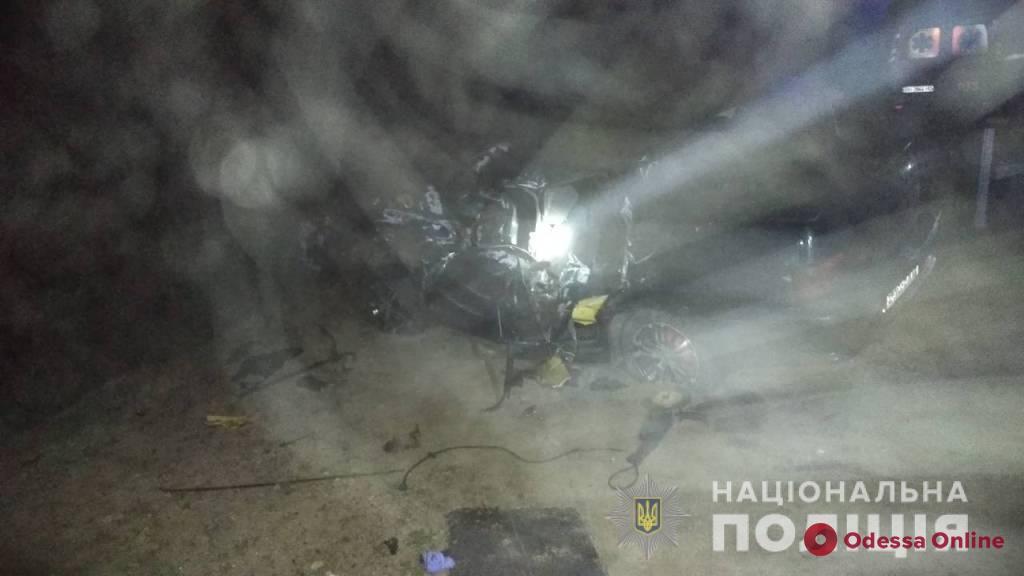 Смертельное ДТП в Одесской области: тело погибшей пришлось доставать спасателям (обновлено)