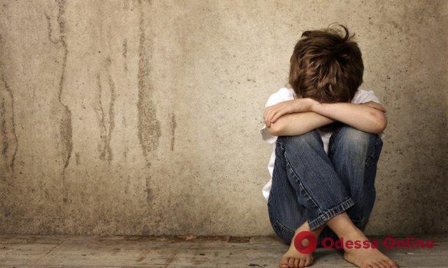 В Одесской области двоих детей изъяли у горе-родителей