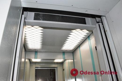 В Одессе с начала года заменили и модернизировали 331 лифт