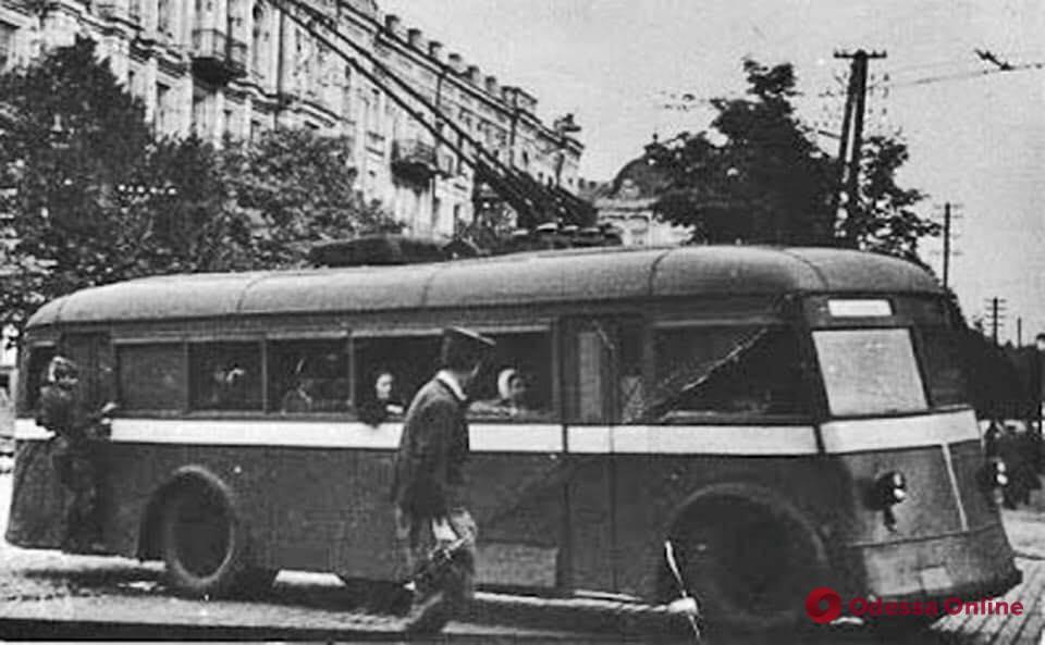 Первый троллейбус: 73 года истории одесских «рогатых»
