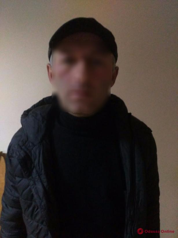 Благодаря бдительной пассажирке в Одессе поймали трамвайного вора