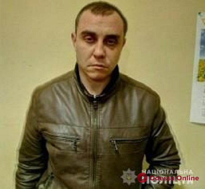 Одесская область: полиция разыскивает троих преступников