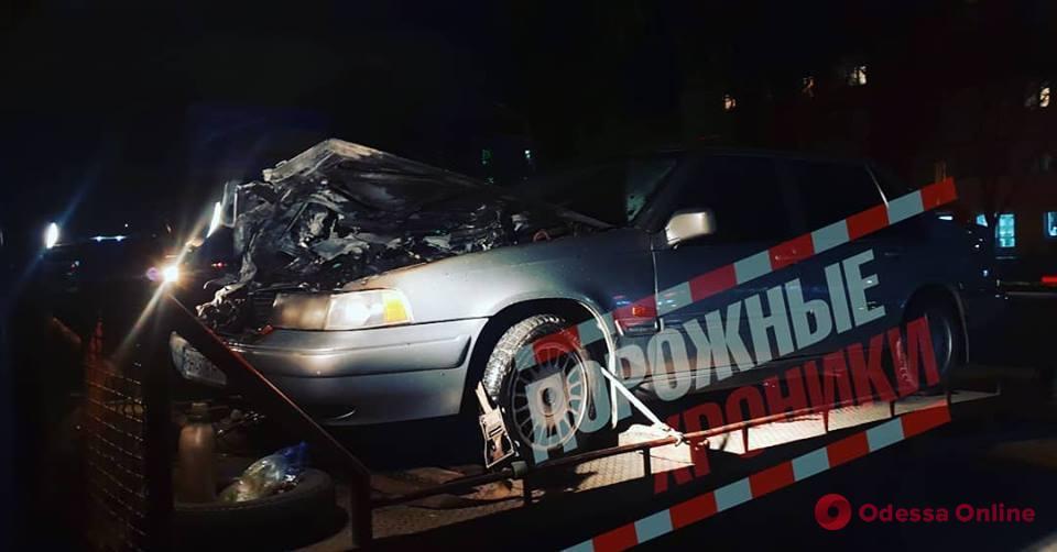 Одесса: на Черемушках сгорел автомобиль