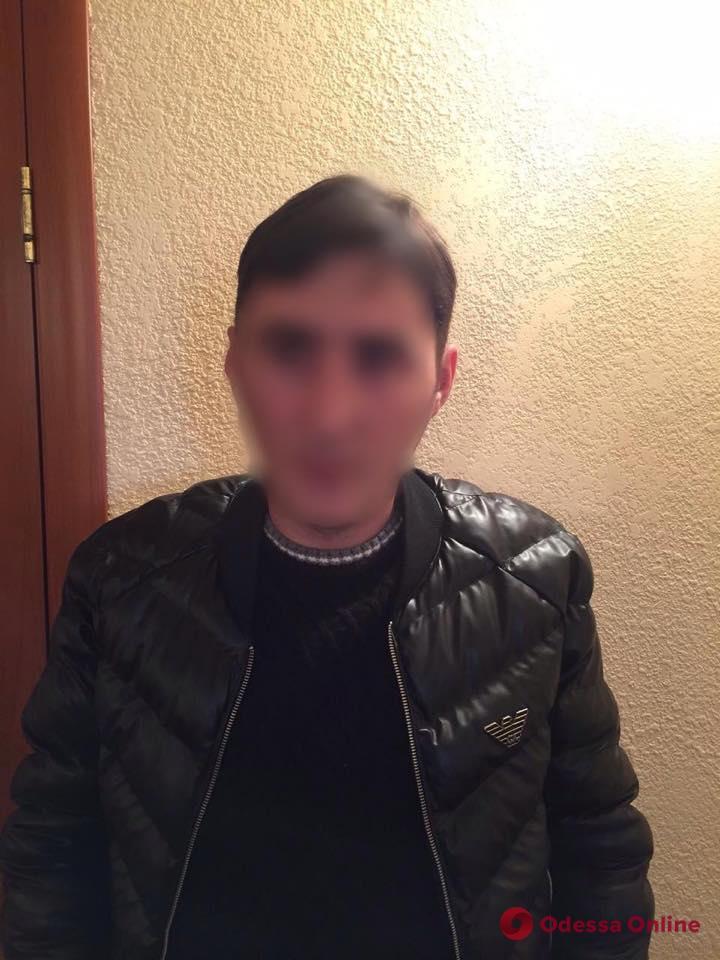 В Авангарде попался с поличным грузинский вор-домушник
