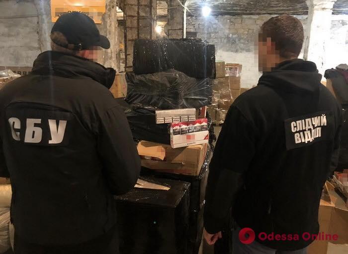 В Одессе пресекли контрабанду алкоголя и сигарет на 3 миллиона (фото)