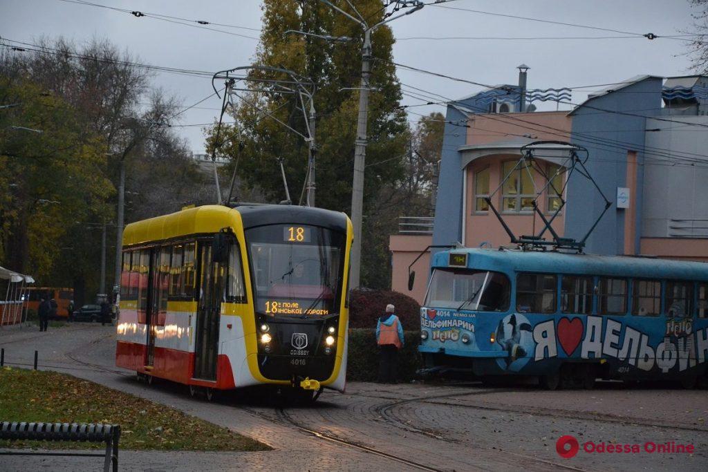 Новый трамвай «Одиссей» уже курсирует по городу в штатном режиме (фото)