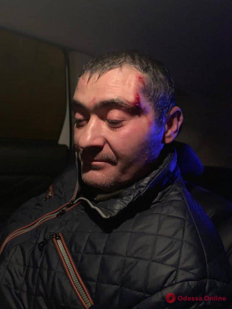 На поселке Котовского неизвестные напали на полицейских