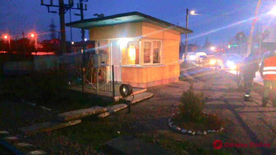 В Одесской области разбойник напал на дежурную по железнодорожному переезду