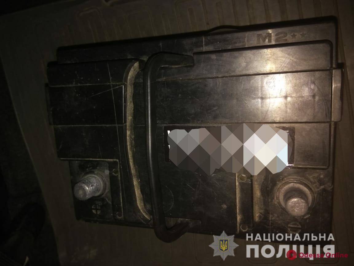 Под Одессой попался с поличным аккумуляторный вор
