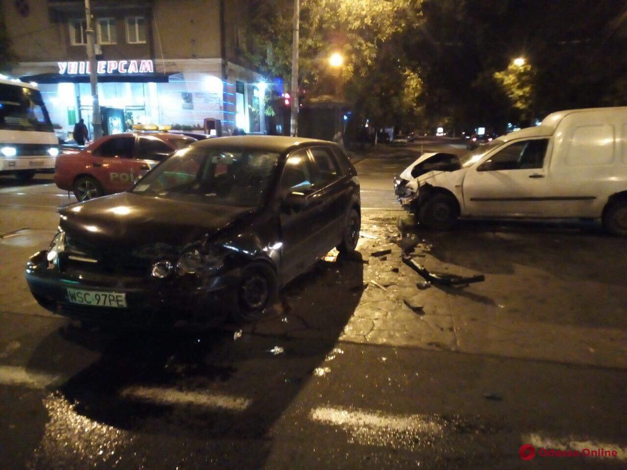 Вечернее ДТП в Одессе: легковушка vs «пирожок»