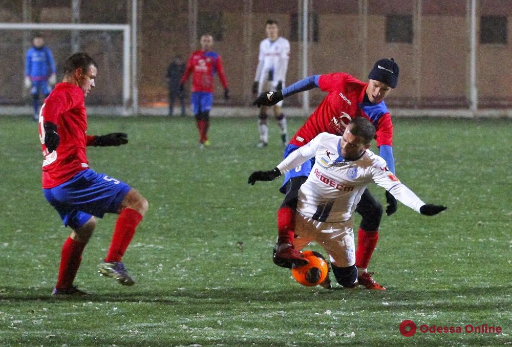 Издевательство над болельщиками: «Черноморец» неплохо поиграл в боулинг, но снова проиграл в футбол