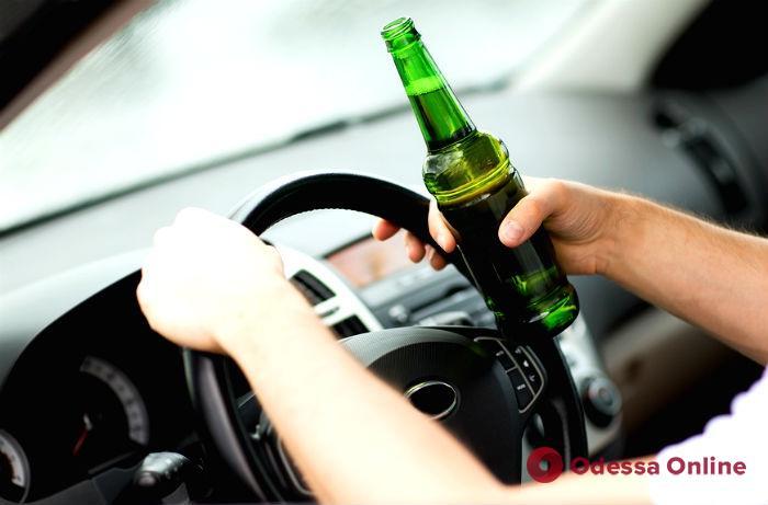 Пьяные за рулем: двое одесситов лишились водительских прав