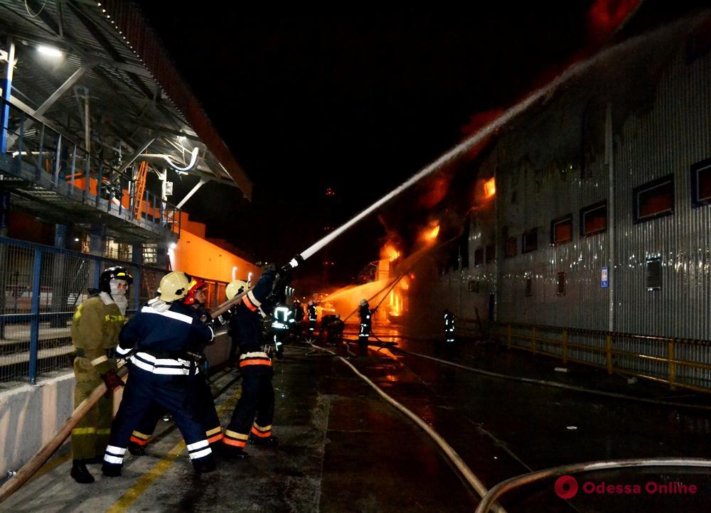 Пожар на заводе в Южном: уровень загрязнения воздуха в два раза выше нормы (обновлено)