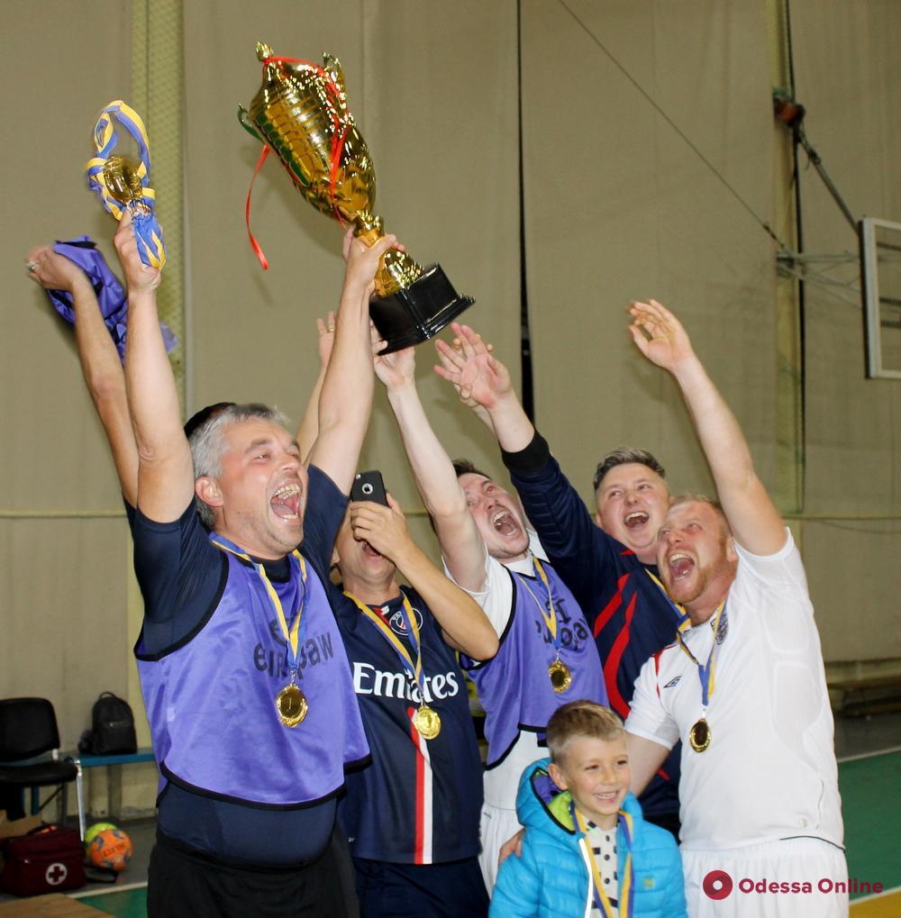В Одессе состоялся «чемпионат мира» среди свадебщиков по футзалу