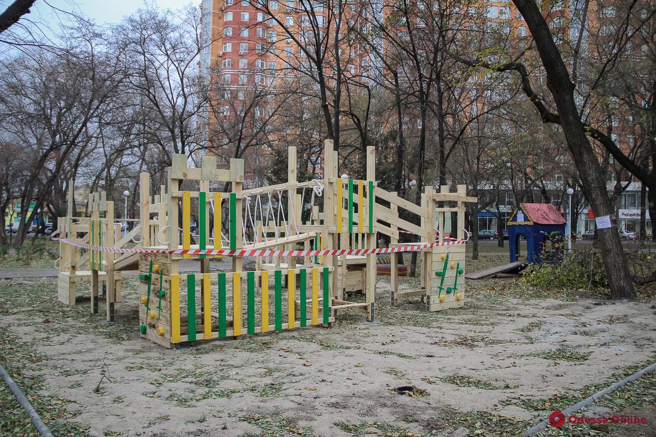 В одесском сквере строят детскую эко-площадку (фото)
